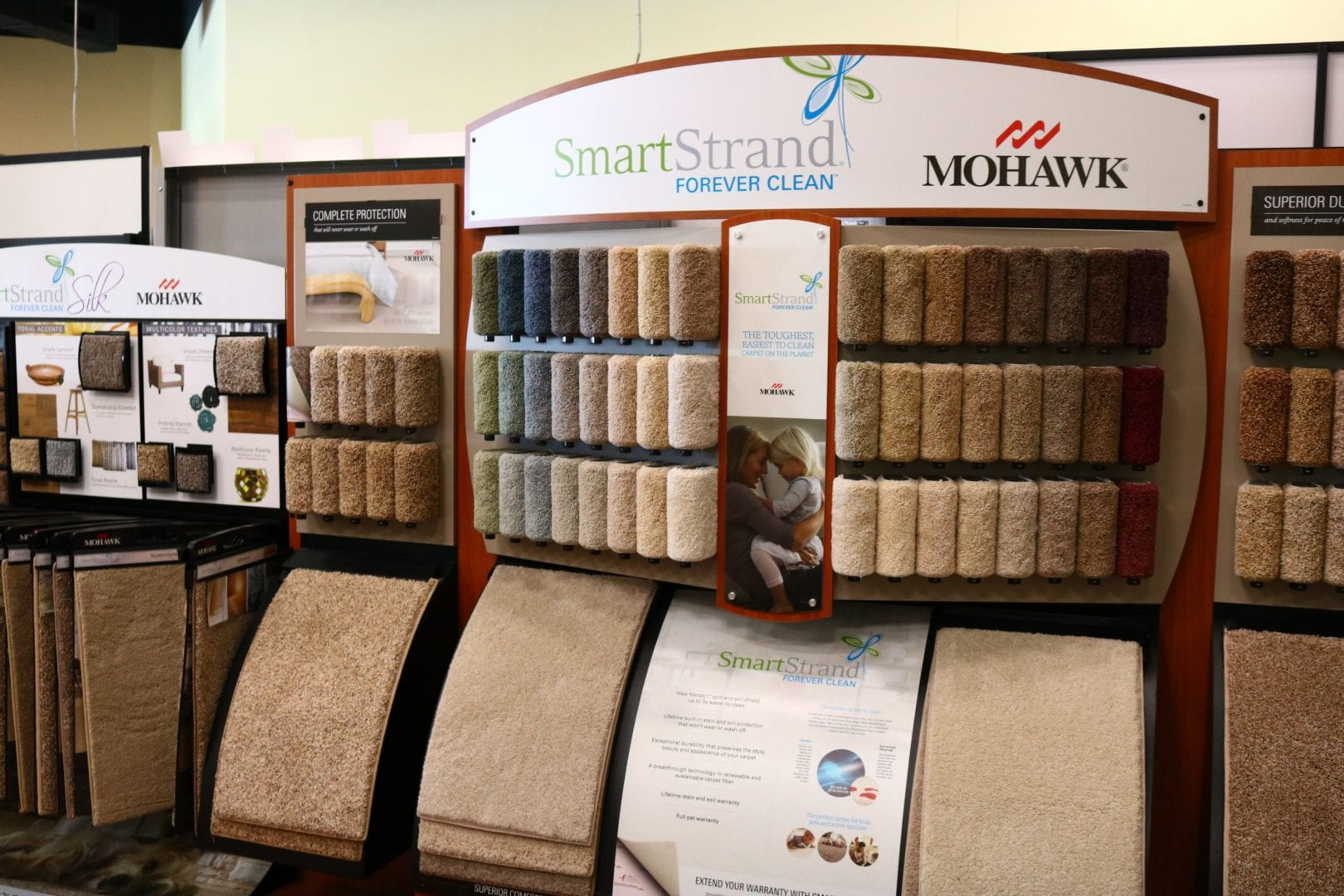 dallas-flooring-store-interior-carpet-samples
