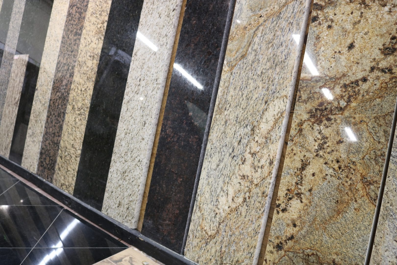 fort-worth-flooring-store-interior-tile-slab-samples