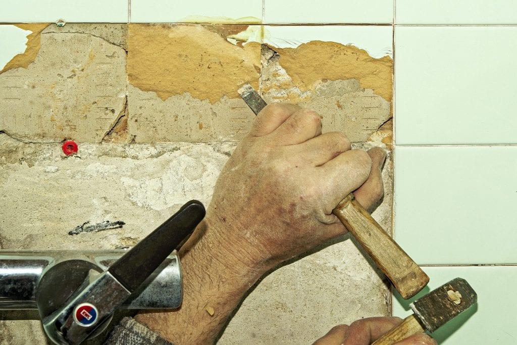 remove floor tiles